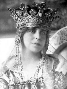 Queen Marie of Romania- Humanizator.ro